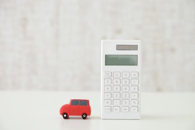 計算機と車の置物