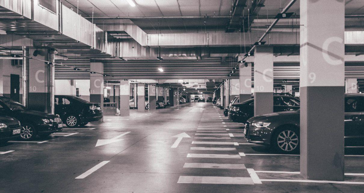 タイムズカープラスをイメージさせる駐車場