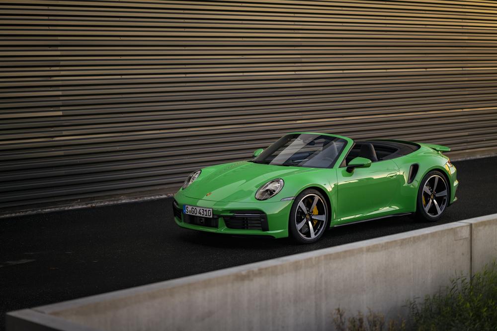 911 Turbo Cabriolet - Python Green
