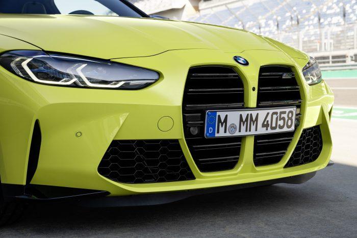 新型BMW M4フロントグリル